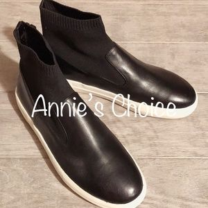 ZARA Contrasting Boots:Black, US 7.5, 8/EUR 38, 39